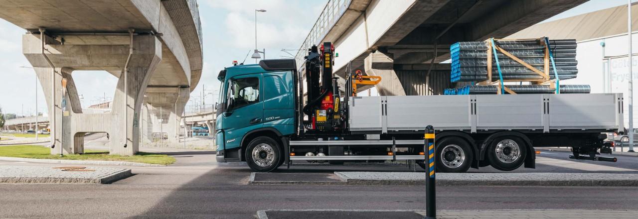 Nabavite svoj Volvo FM sa širokim rasponom rasporeda osovina, osovina kotača i visina šasije za vaše potrebe.